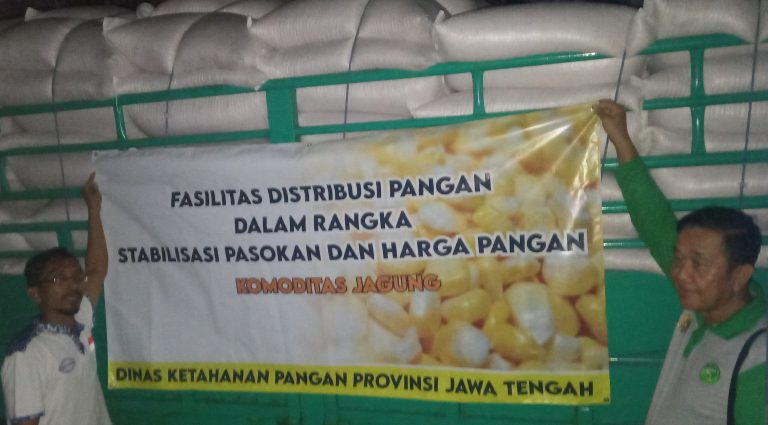 Dishanpan Jateng Gandeng Seknas BUMP Indonesia Distribusikan Jagung Kepada Peternak Karanganyar